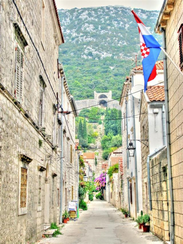 alleys of croatia (12)