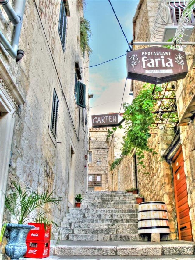 alleys of croatia (3)
