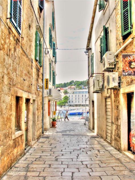 alleys of croatia (6)