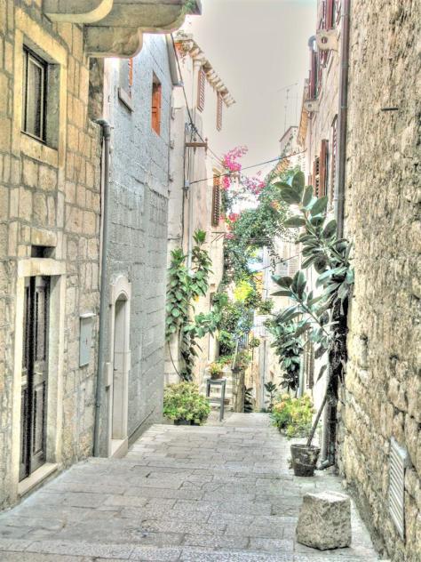 alleys of croatia (8)