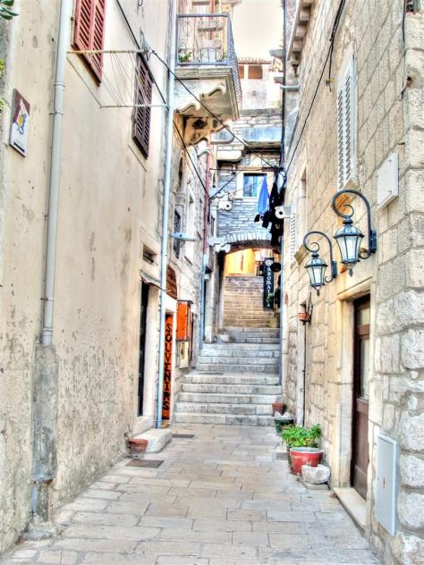 alleys of croatia (9)