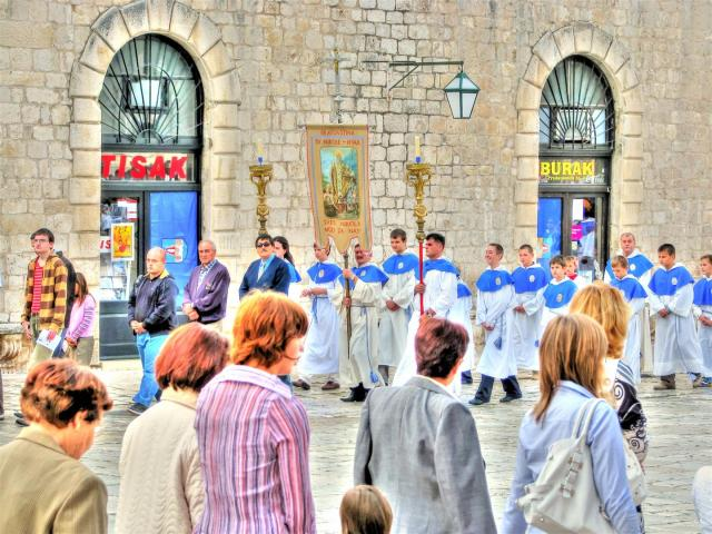 ceromonies & processions in croatia (3)