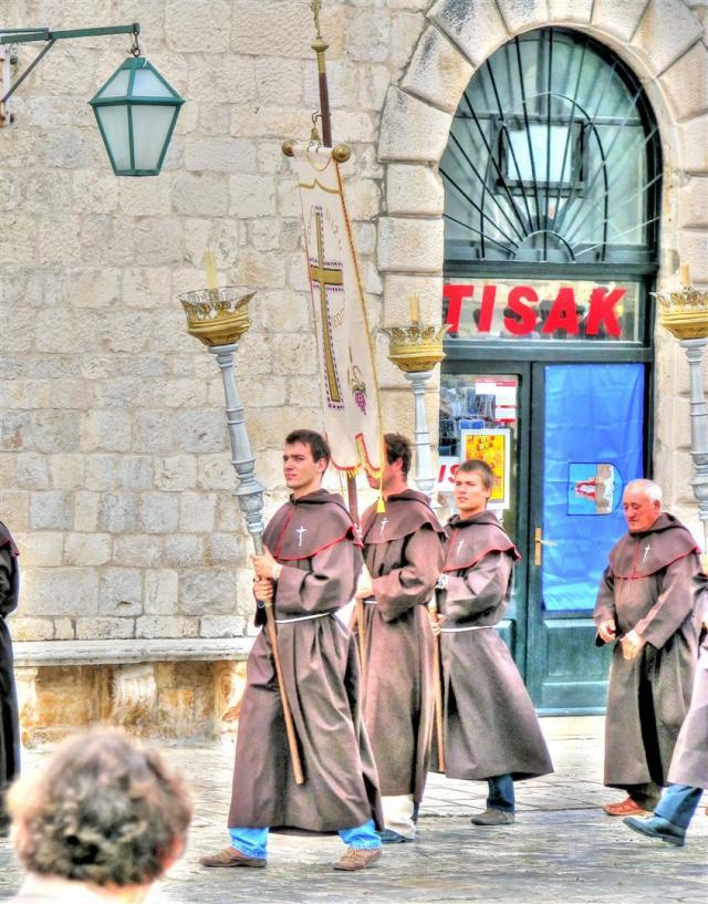ceromonies & processions in croatia (4)
