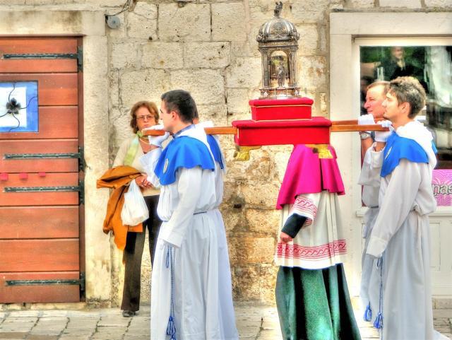 ceromonies & processions in croatia (5)
