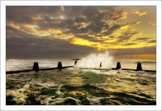 Ansteys wave crash 22-9-13 (Large)