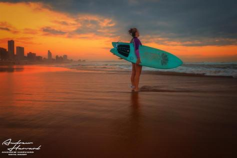 Surfer Gal u Shaka Jan 2018 (Large)